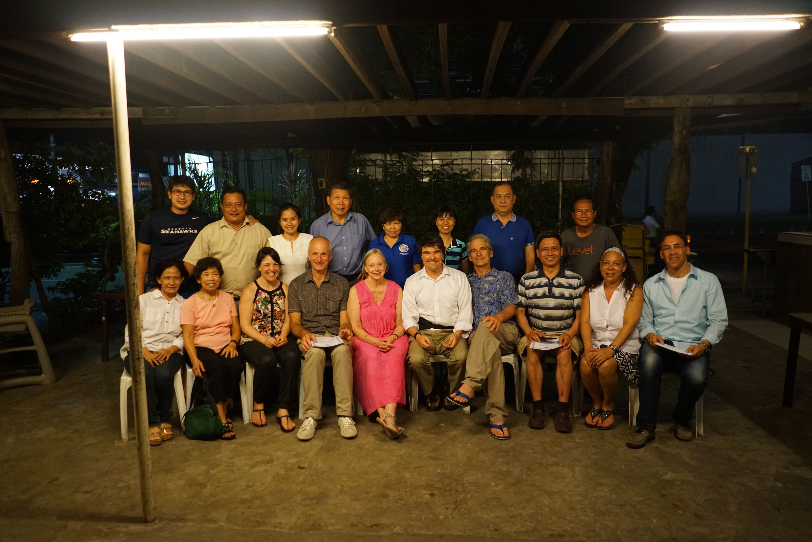 philippine_2016_Day-8-Goodbye-dinner-entire-remaining-NSVI-group